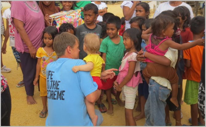egon with bajoe kids in Sulawesi