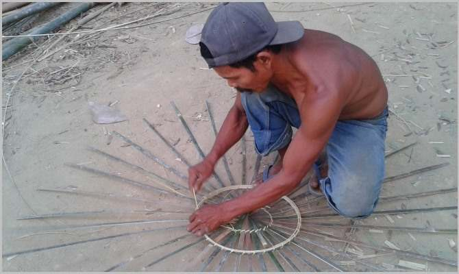 Building bamboo rooster cages